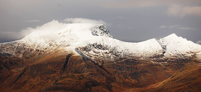 Ben Nevis with Carn Mor Dearg to the right. The CMD arete in between. (Early Nov 09)